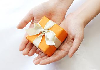 物品を寄贈する